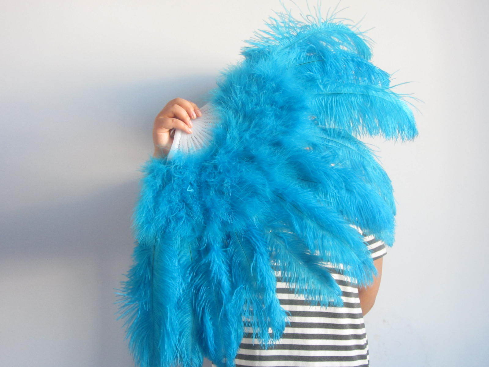delivery by 30th Oct,2pieces turquoise 36*18inch Large Burlesque Feather Fan Turkey Marabou Feather Fan